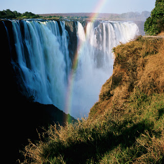 61fb8-largewaterfalllocatedinzimbabwe